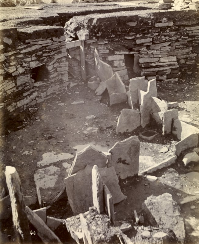 Photograph, Keiss Road Broch, entrance to steps in wall.