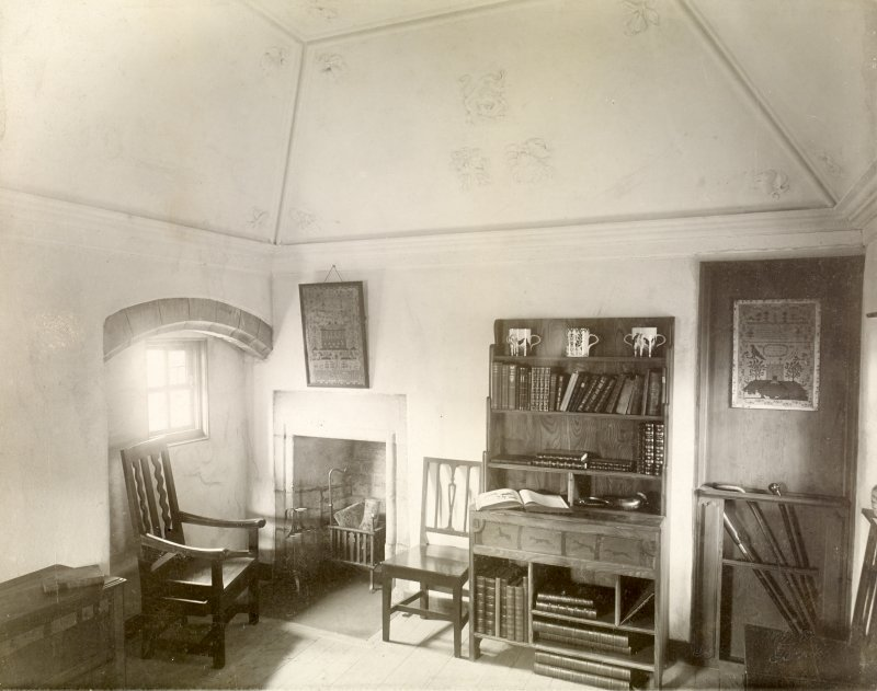 Interior view of garden room, Earlshall.