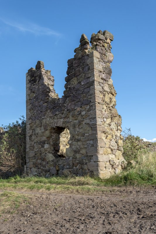 Barnes Castle, exterior. Detail of NW tower.