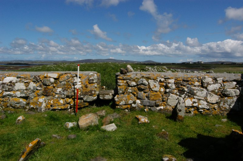 Historic building survey, McVicar Chapel, interior, S-facing wall, consecutive, Teampull na Trionaid, Cairinis, North Uist, Western Isles