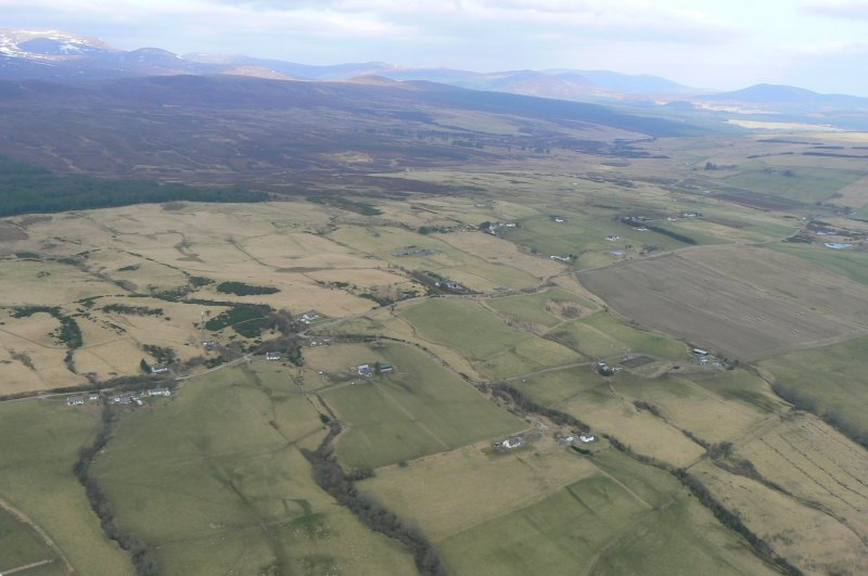 Oblique aerial view, looking N over the Heights of Fodderty and the Heights of Brae, near Dingwall.