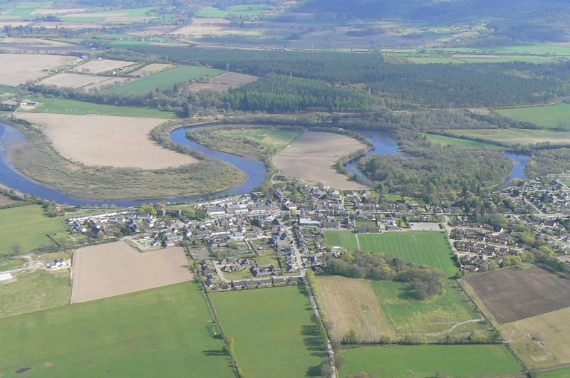 General oblique aerial view of Beauly, looking SE.