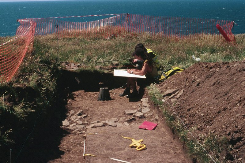 Archaeological evaluation, Working shot, Carghidown Castle