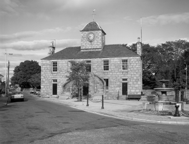 View of Kintore Town Hall from S.