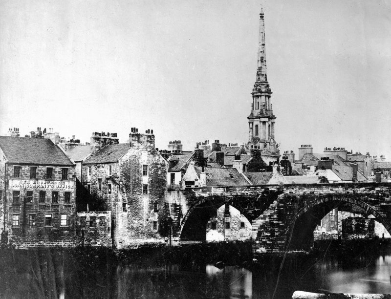 General view towards Auld Brig and Steeple.
