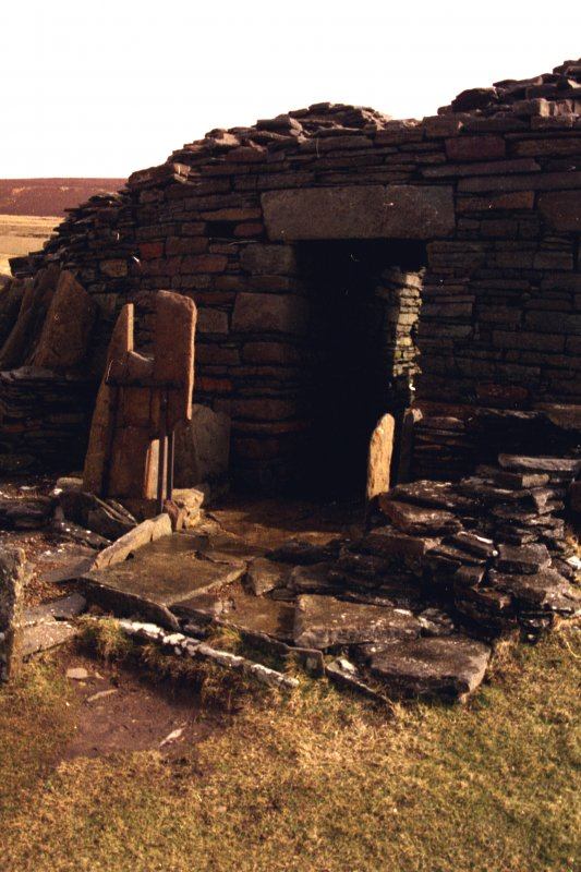 Entrance to Midhowe broch.