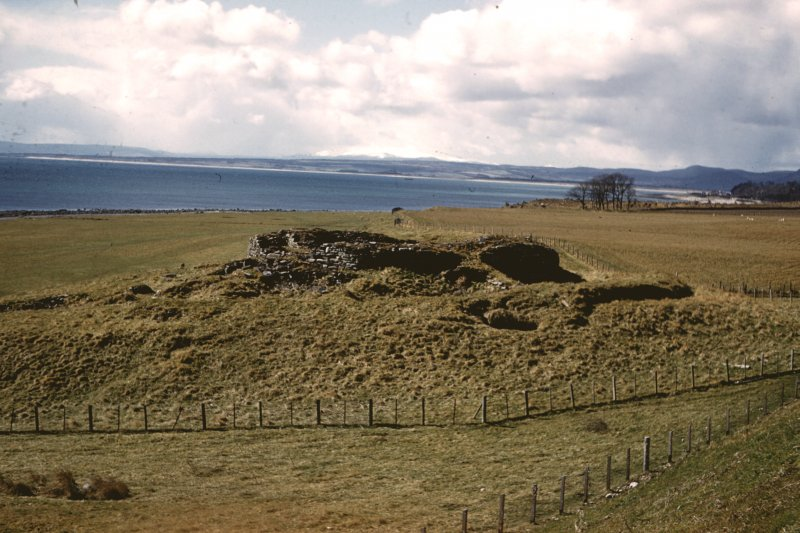 Slide : general view of broch.