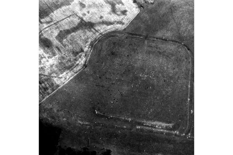 Lyne, Roman fort: air photograph.