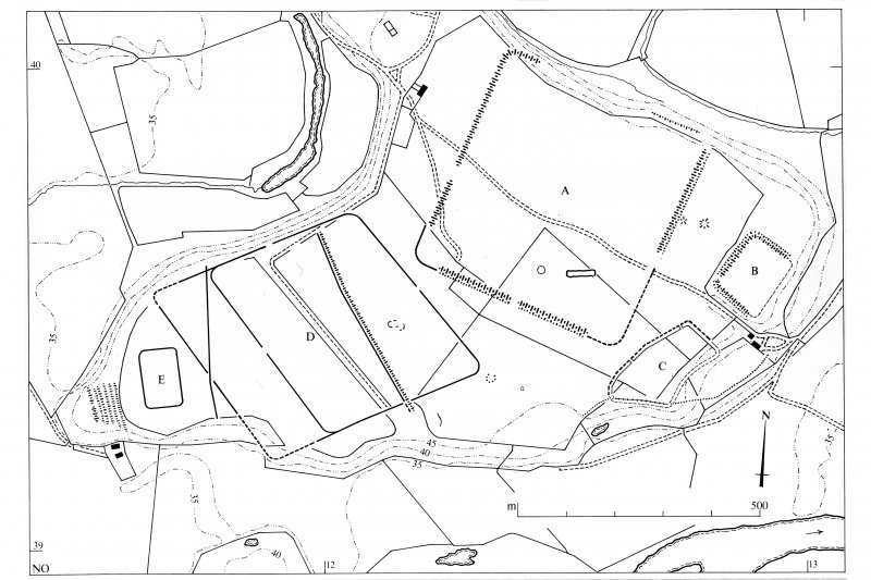 Publication plan (two leaves) drawn for reduction. General plan of monuments on the plateau, indicating specific remains. Inventory p. 78.