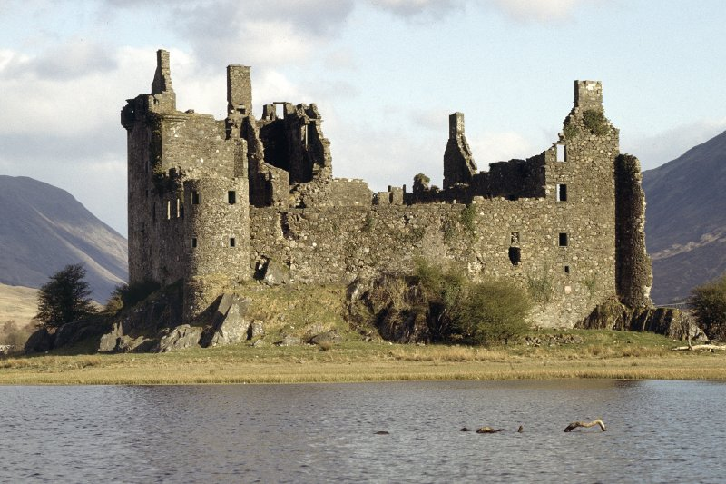General view of Kilchurn Castle from South West