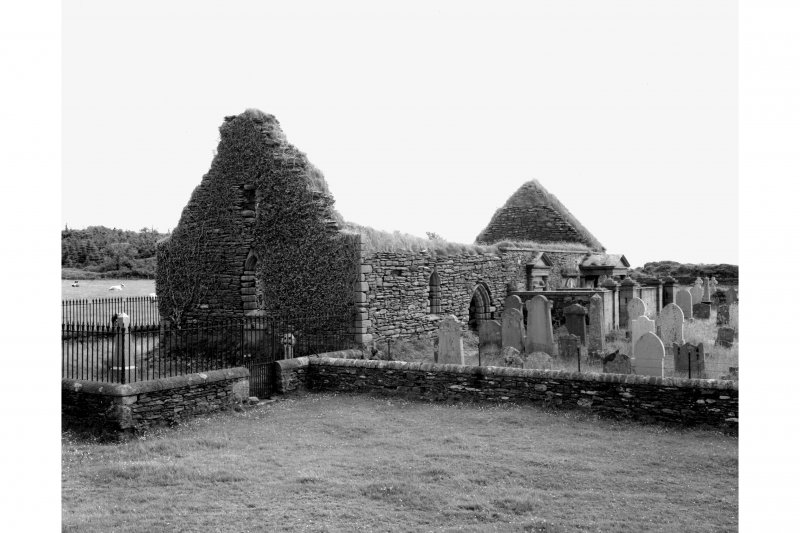 Kilbrannan, Skipness Chapel. General view of chapel and part of churchyard from South-West.