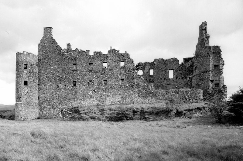 Kilchurn Castle. General view from North-West.
