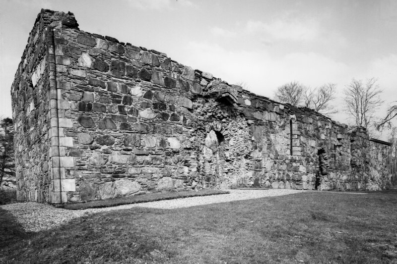 Dunstaffnage Chapel. General view from South-West.