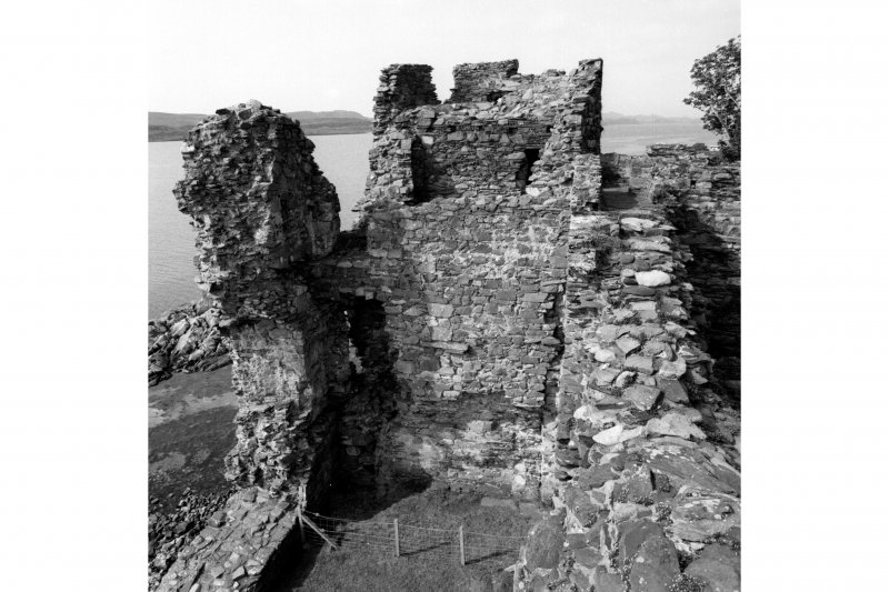 Castle Sween.  General view of North-West platform in North wall from North wall-walk.