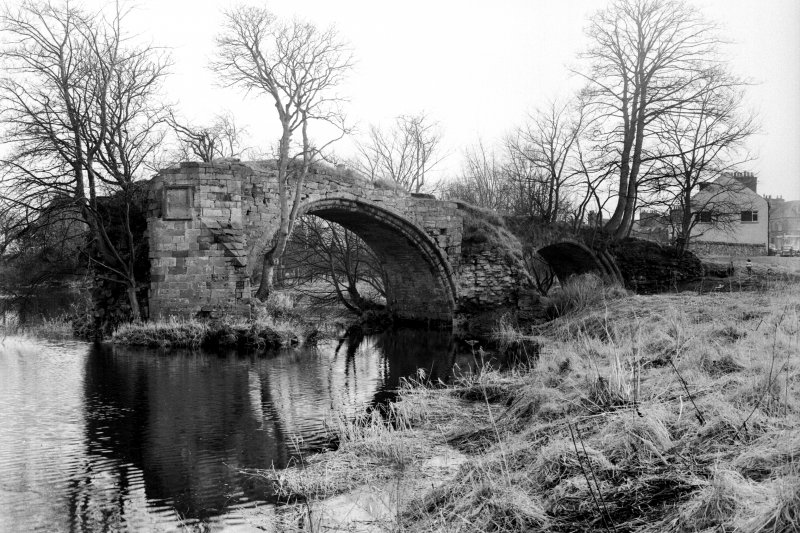 Bridge of Earn, Old Bridge. General view from North of surviving arches on South bank.