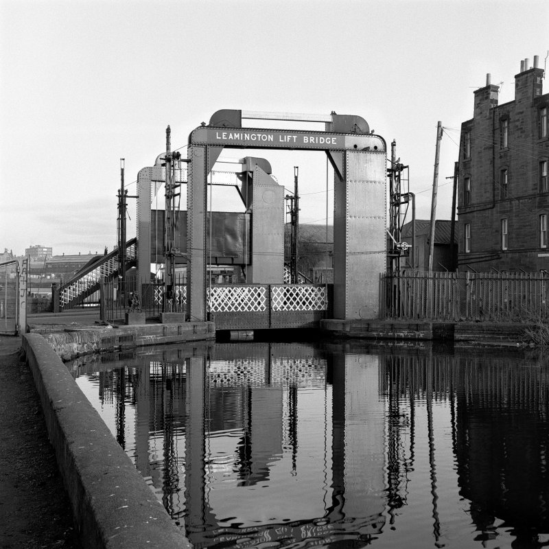 View of vertical lifting bridge on Union Canal, Gilmore Park, Edinburgh. General view.