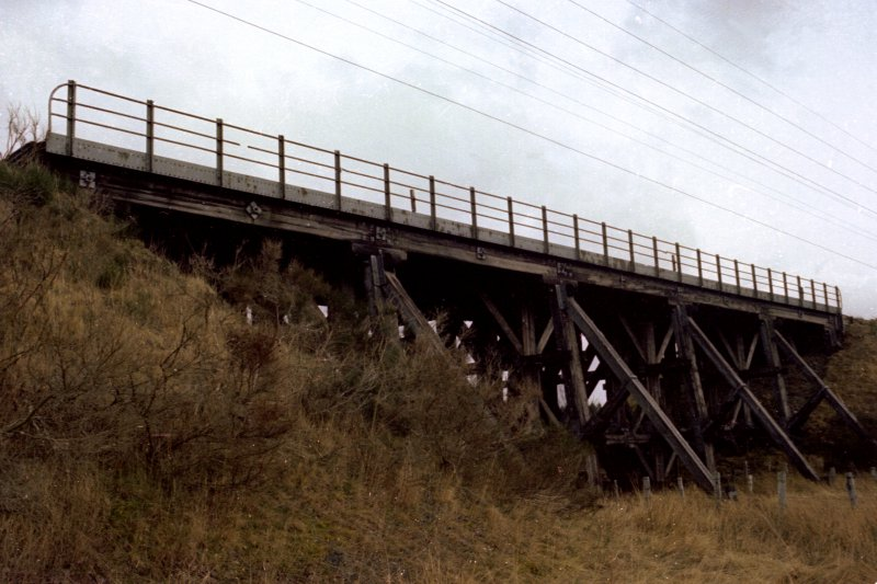 General side view of viaduct