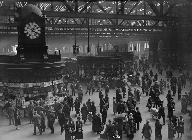 View of concourse at Central Station, Glasgow.