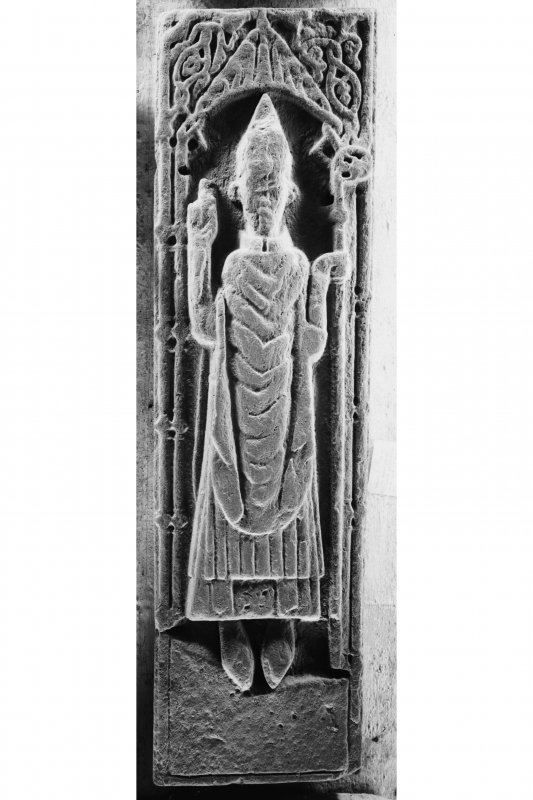 Iona, general. View showing effigy of unknown abbot.