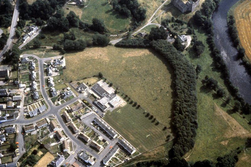 Oblique aerial view. Doune Roman fort.