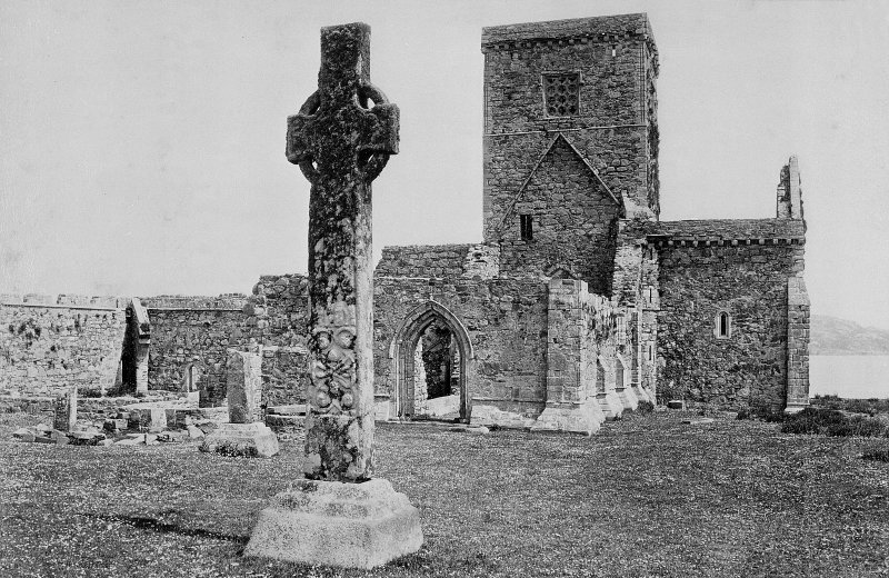 Iona Abbey and St Martin's Cross General view