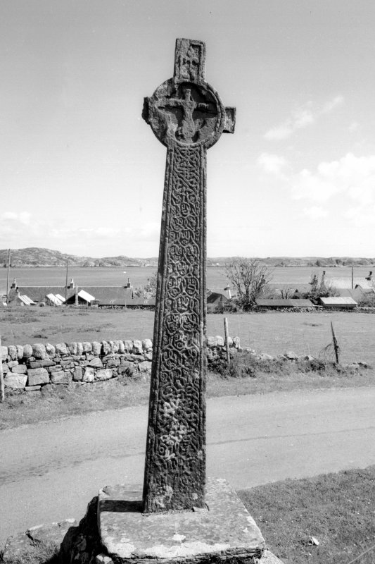 Iona, MacLean's Cross.  General view of obverse face.