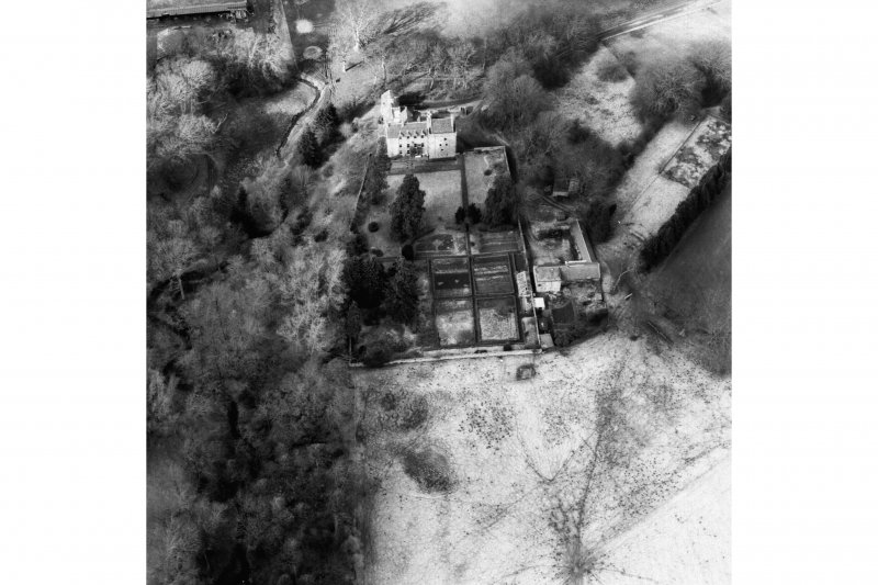 Oblique aerial view. Cropped image.