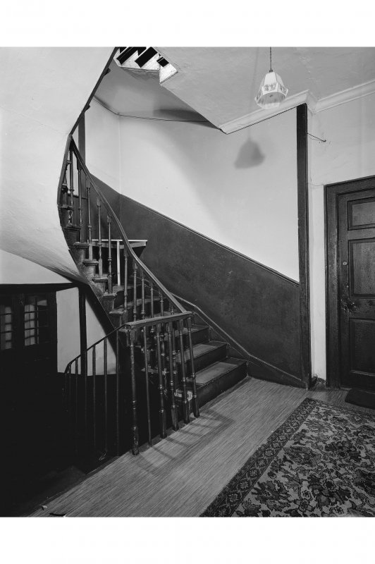 18, East Shore Staircase, first floor landing