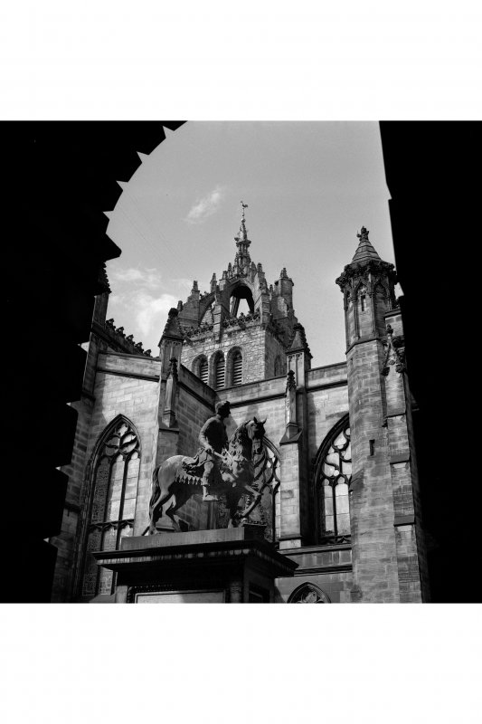 Statue of King Charles II with St Giles Cathedral in background. Edinburgh