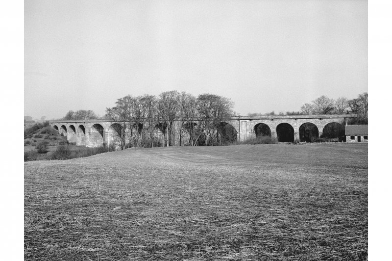 Roxburgh, Railway Viaduct View from SSE