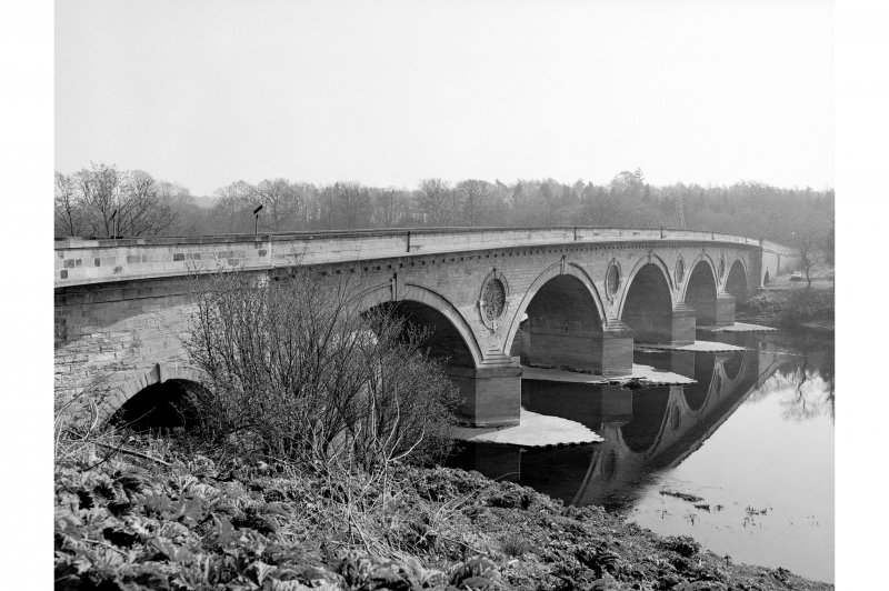 Coldstream Bridge View from SE
