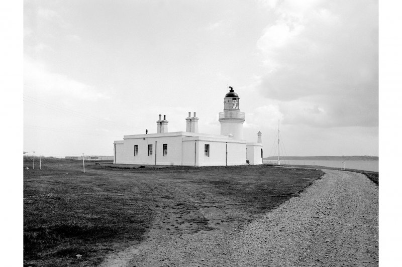 Chanonry Point, Lighthouse View of lighthouse and keeper's cottage looking E