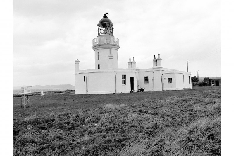 Chanonry Point, Lighthouse View of lighthouse and keeper's cottage looking W