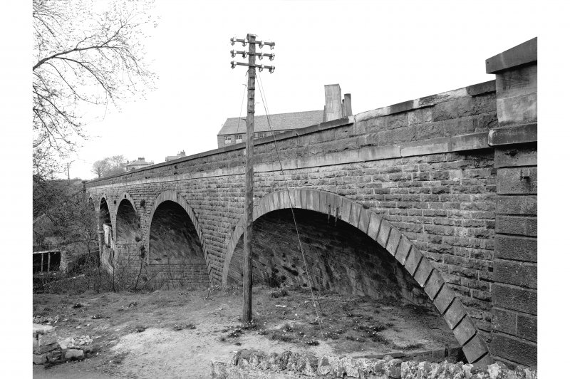 Bridge of Weir, Viaduct General view along W side from S