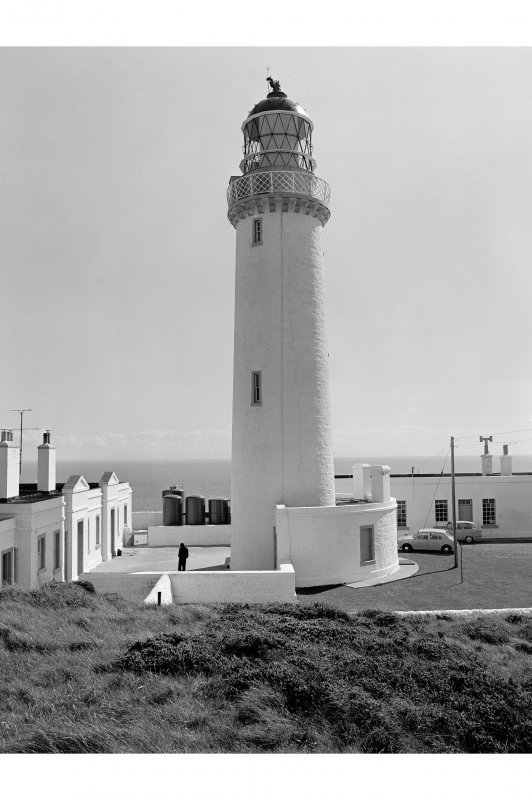 Mull of Galloway, Lighthouse View from NNW showing tower and lightkeepers' houses