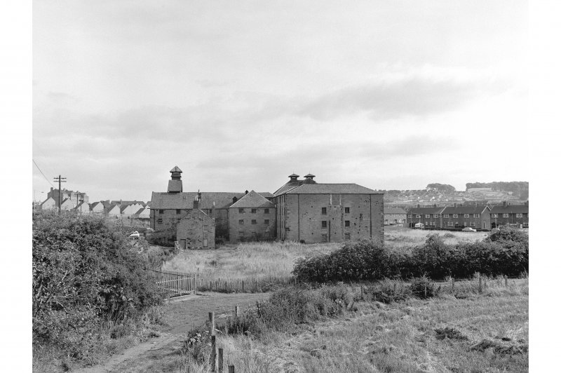 Linlithgow, Mains Maltings Landscape view from W