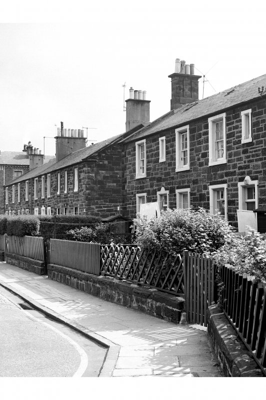 Edinburgh, Gardner' s Crescent, Rosebank Cottages View from N showing ENE front of numbers 8, 4, 7, 3, 6, 2, 5, 1, 25 and 28