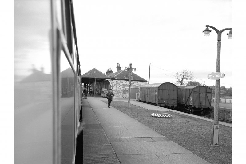 Montrose Station Platform view from Train, from SE