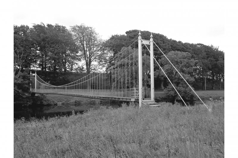 Annan, Diamond Jubilee Bridge View from W bank