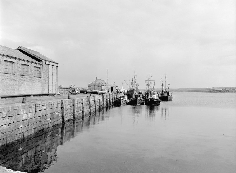 St Margaret's Hope, Pier View from WSW showing SSE front
