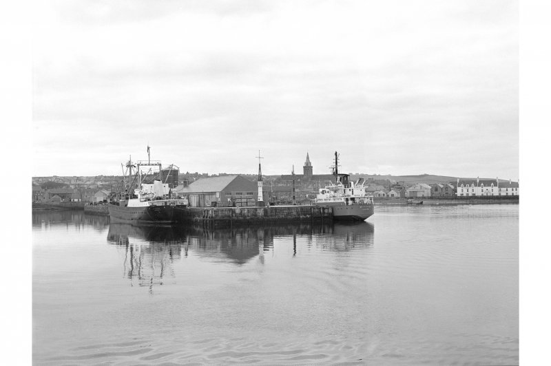 Kirkwall Harbour View from N showing tankers, beacon and NW front of pier