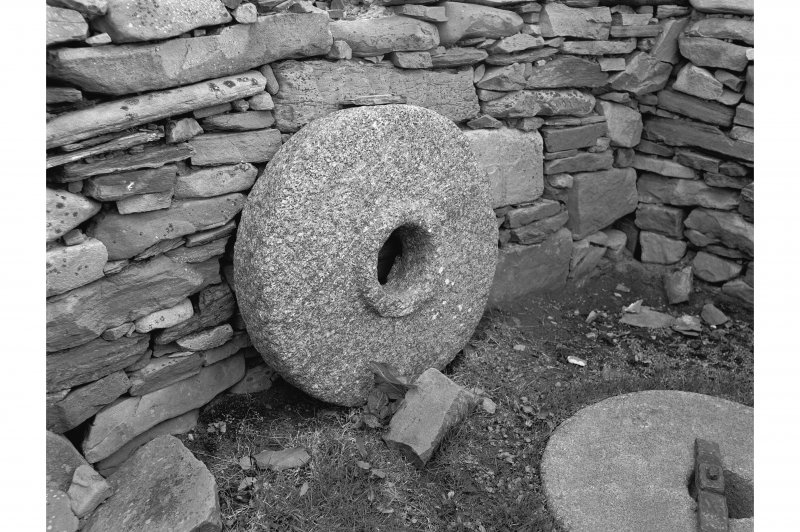 Huxter, Norse Mill General view showing top stone