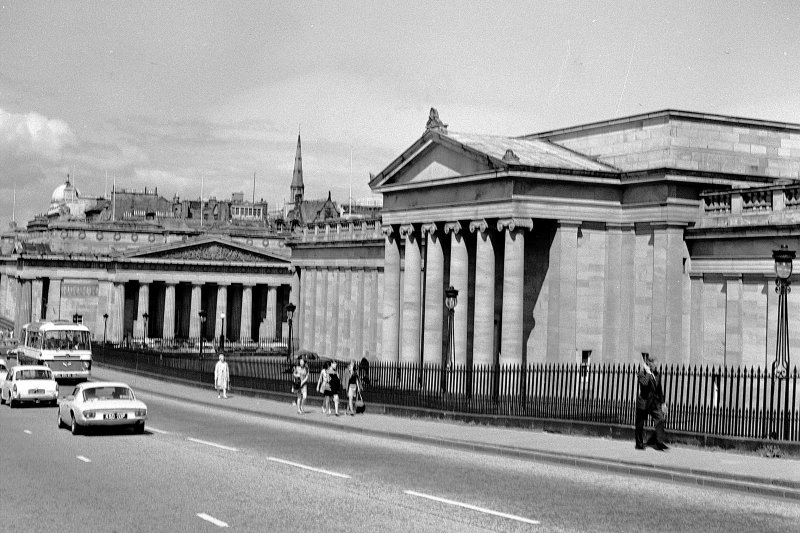 General view of National Gallery and Royal Scottish Academy from The Mound