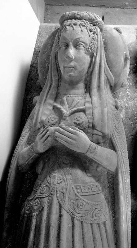 Kilmun Church Argyll vault effigy detail of Lady Campbell, upper part, from above,
