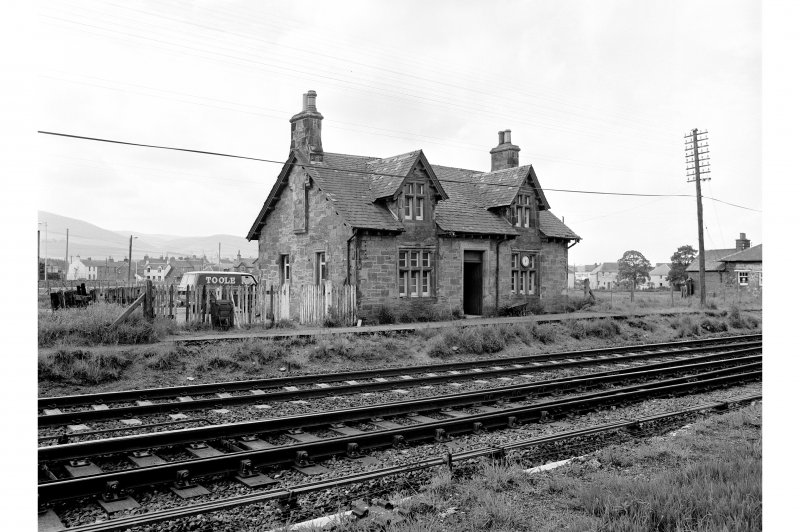 Blackford Station View from NE showing NNE front of main station building