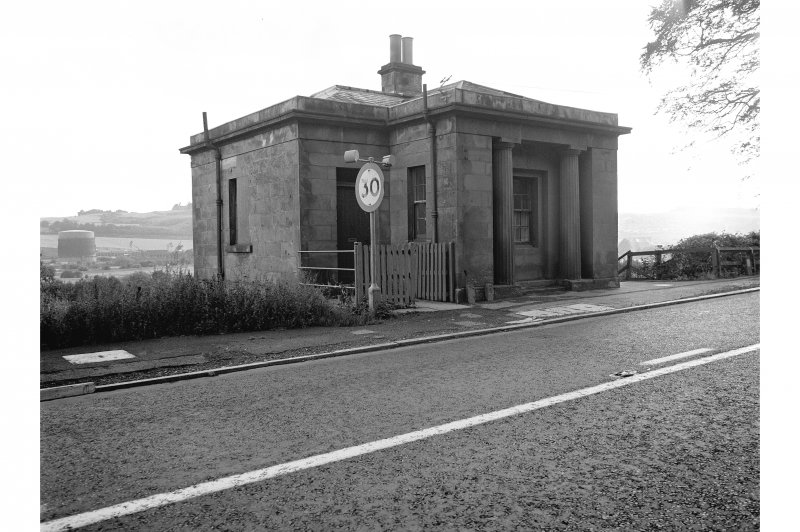 Perth, Dundee Road, Barnhill Tollhouse View from SE showing SSW and ESE fronts