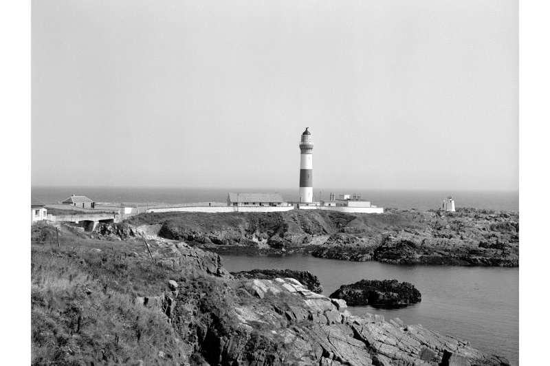 Buchan Ness Lighthouse General View