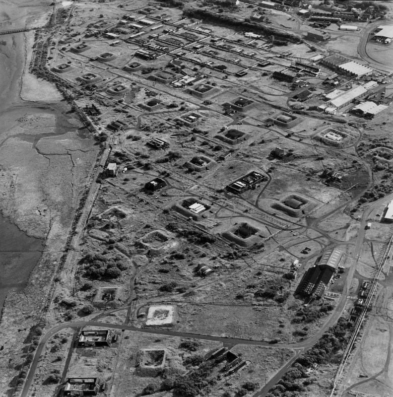 Ardeer, Nobel's Explosives Factory, oblique aerial view, centred on the Misk Gelatines works.