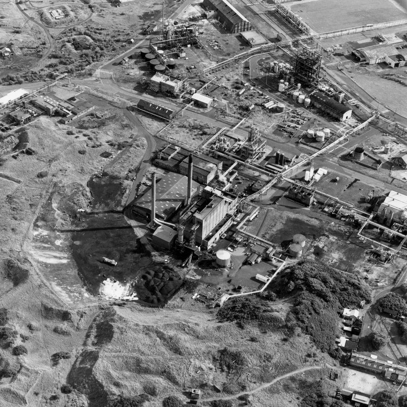 Ardeer, Nobel's Explosives Factory, oblique aerial view, centred on the power station.