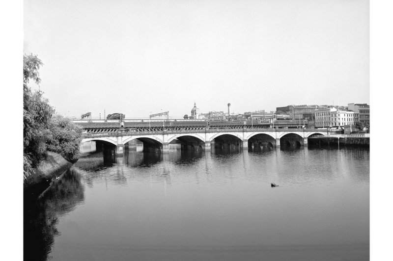 Glasgow, Glasgow Bridge View from SE showing ESE front